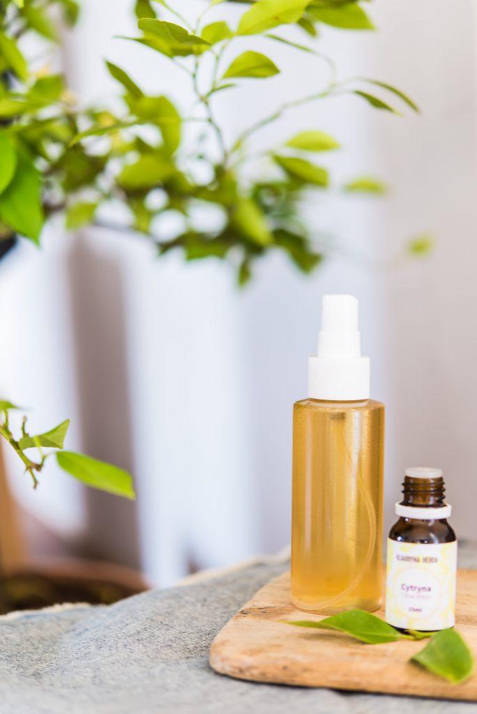 Naturalne odkażanie pomieszczeń za pomocą olejków eterycznych