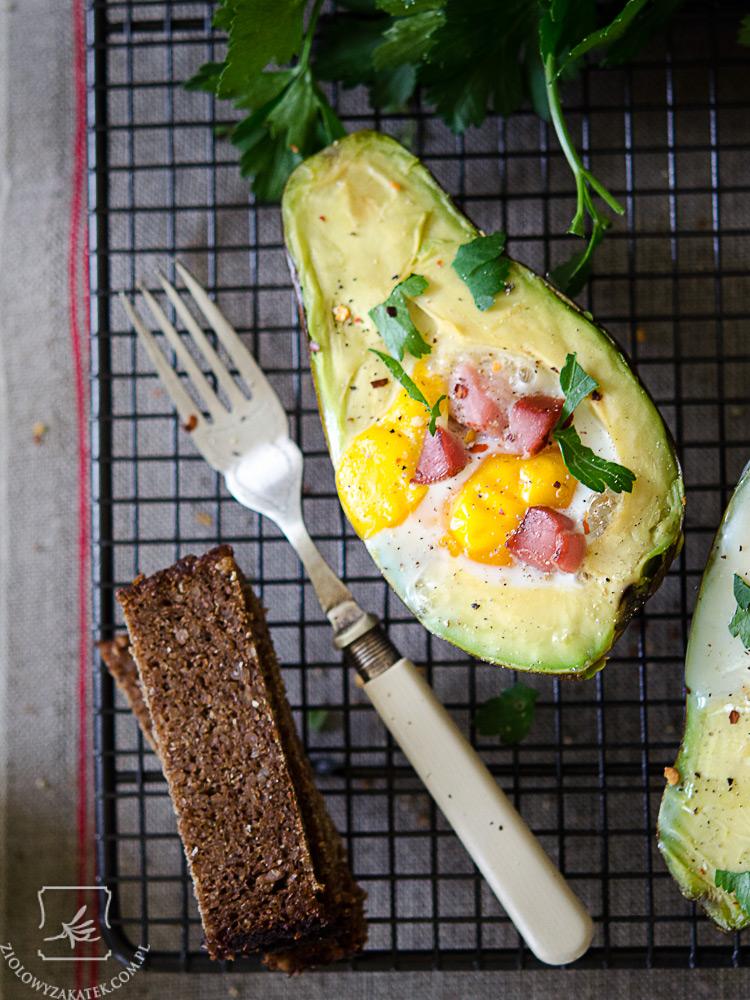 awokado z jajkiem