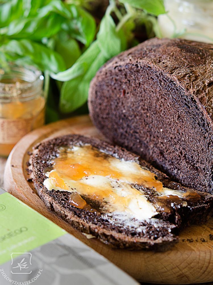 chleb-w-ciemno